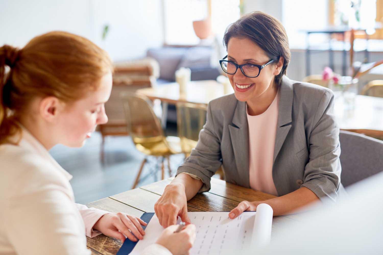 Aprenda a deixar uma boa impressão no seu primeiro emprego